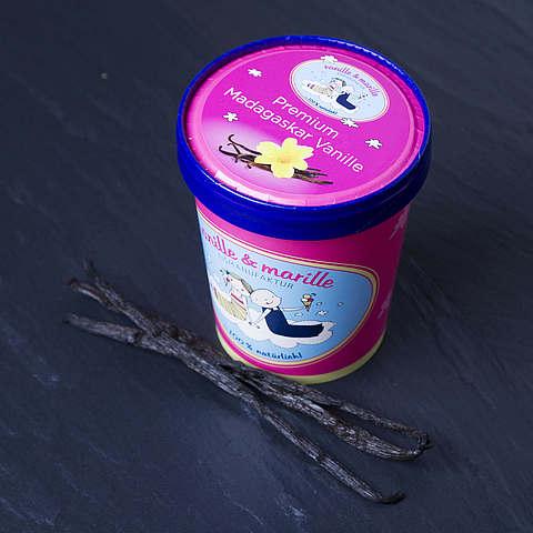 Eis aus Berlin: Zuhause-Becher Premium Madagaskar Vanille, vanille & marille