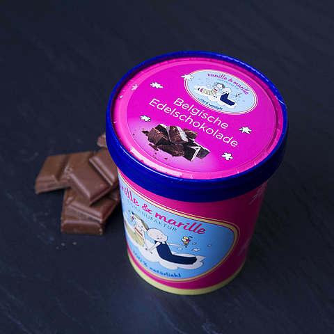 Eis aus Berlin: Zuhause-Becher, Belgische Edelschokolade, vanille & marille