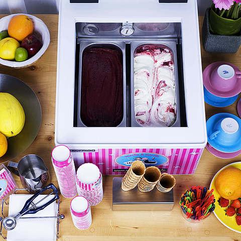 Eis-Catering: 2er-Tischvitrine vanille & marille